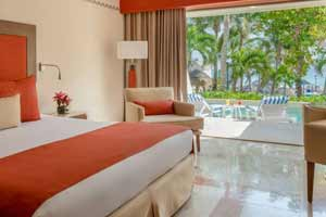 Deluxe Swim Up Ocean View Rooms at Grand Park Royal Cancún
