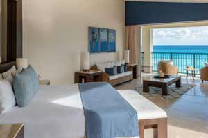 Royal Tower Jacuzzi Suite Oceanfront at Grand Park Royal Cancún